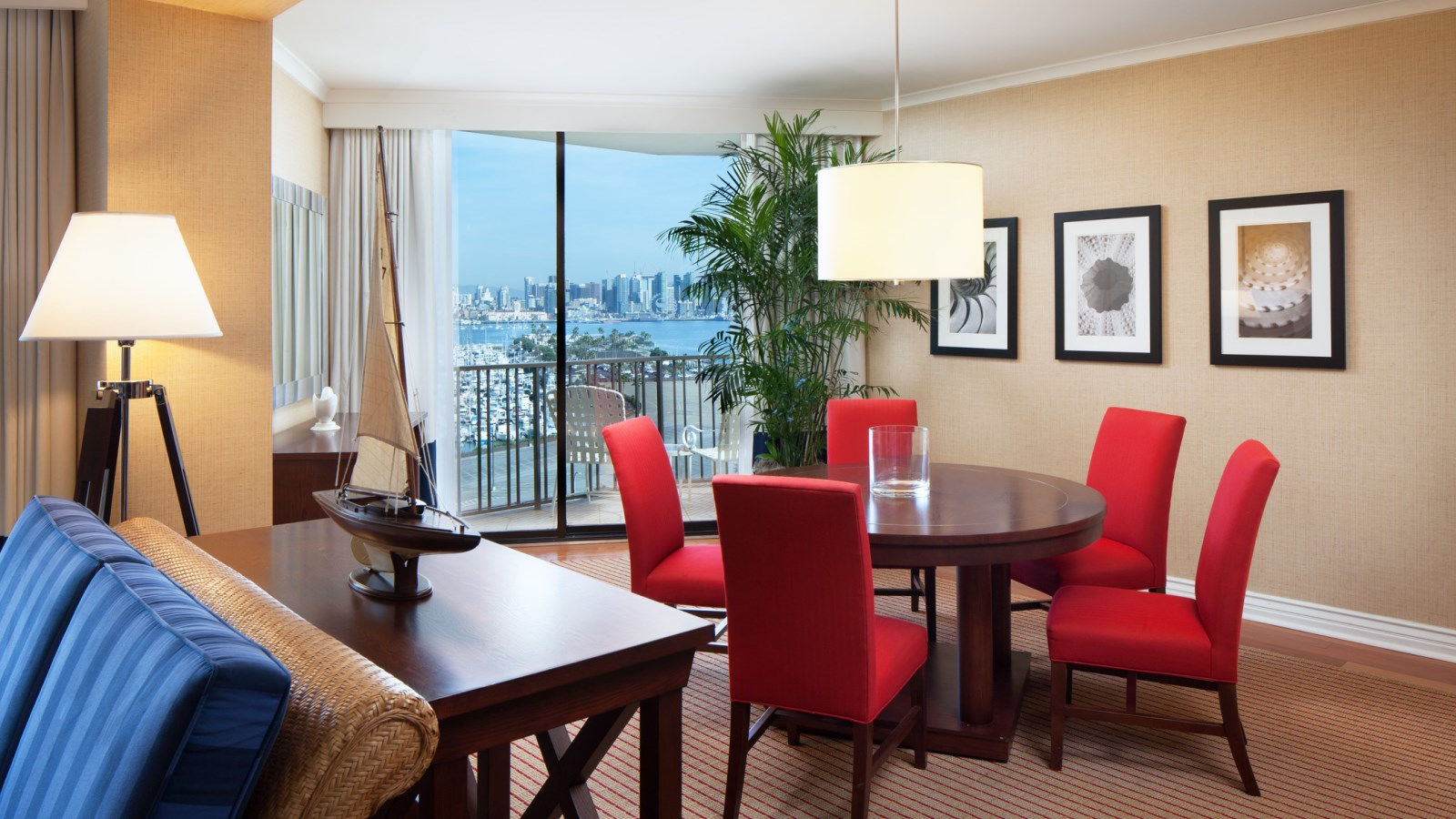 Governor's Suite - Marina Tower
