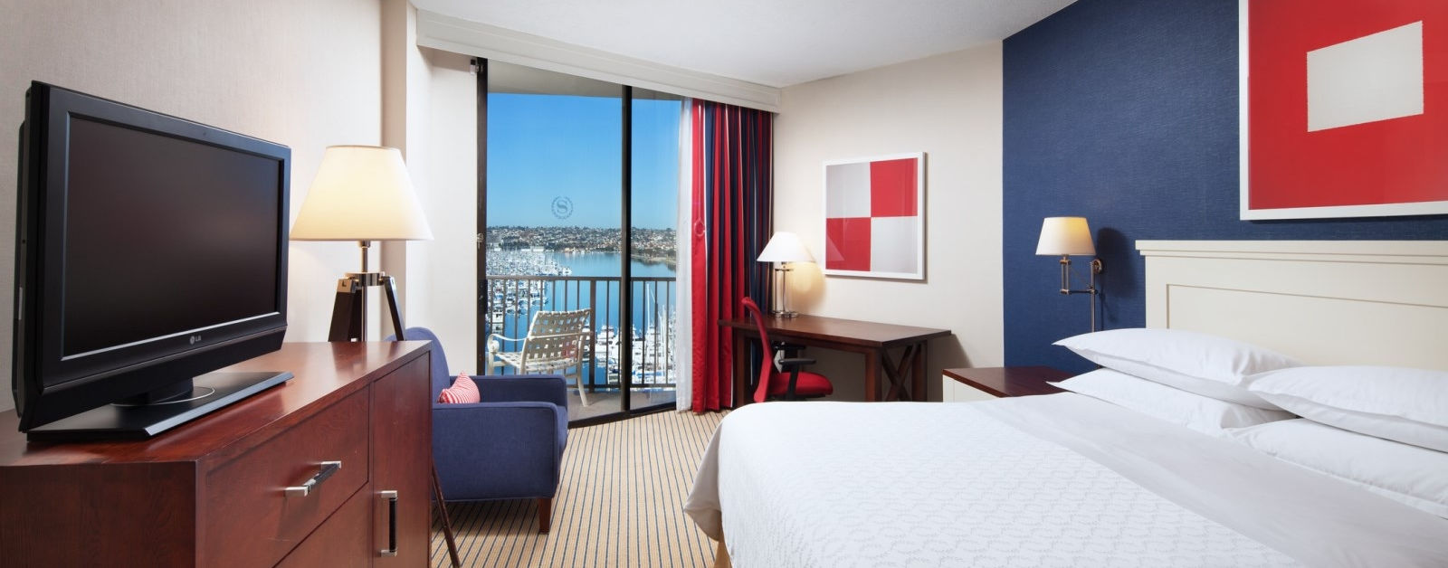 Marina Tower Suite with Bay view