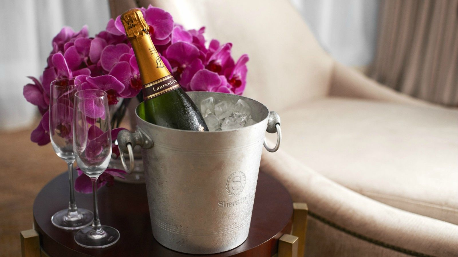 Amenity and Gifts - Champagne